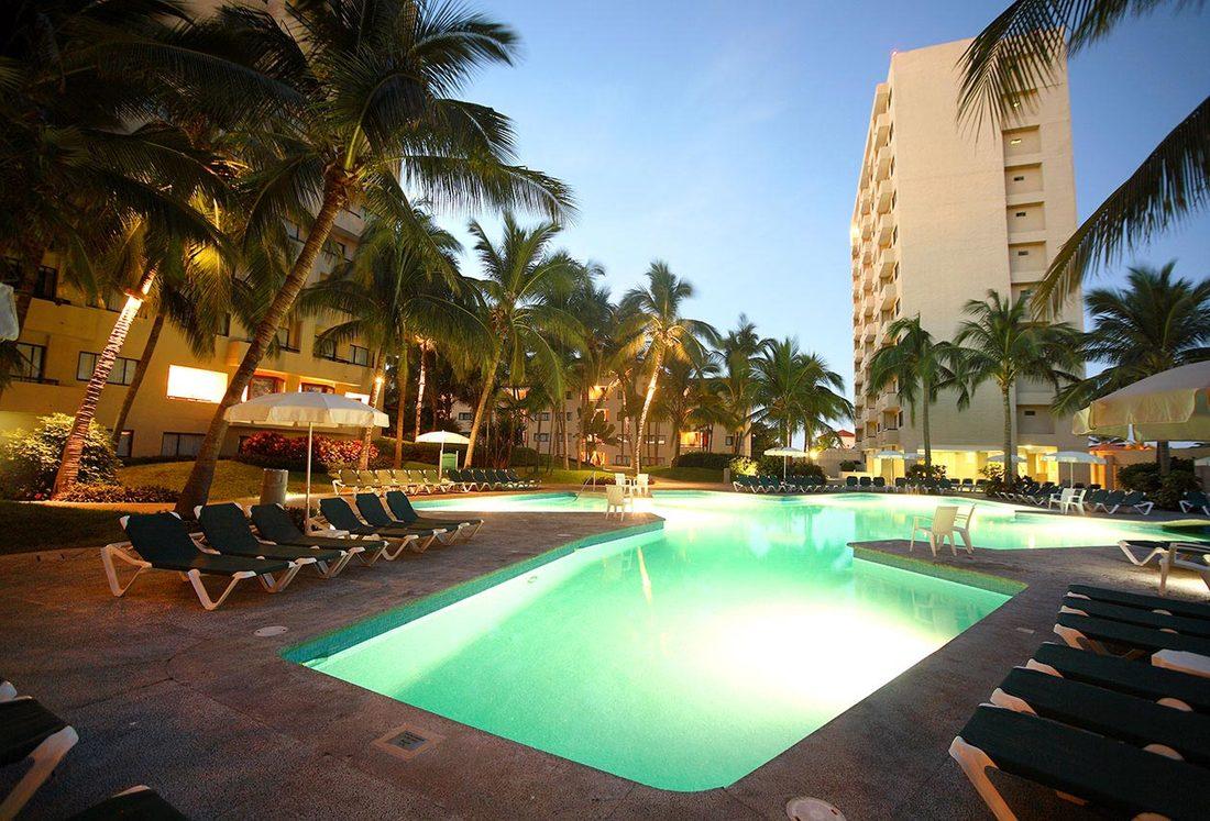 Mayan Sea Garden Resort photos - Sandy\'s Beachfront Condo